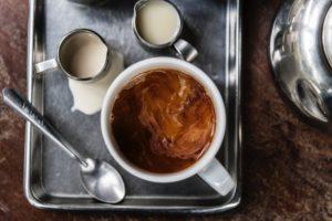 Knietablett hervorragend geeignet für das Frühstück am Bett