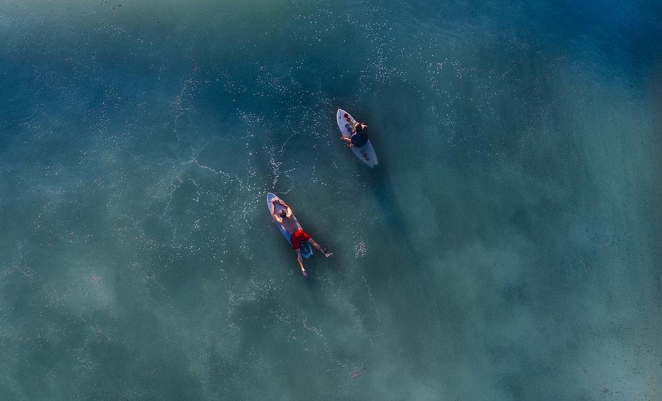 Sommer, Sonne und Strand können Sie in einem Surfurlaub erwarten